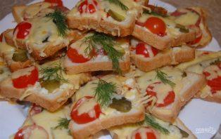 Бутерброды горячие с колбасой и сыром - фото шаг 6