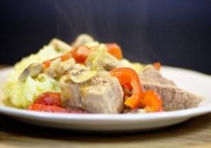 Мясо, тушенное в духовке - фото шаг 8
