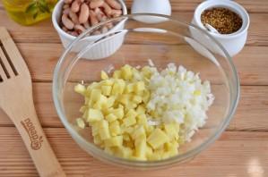 Салат из соленой скумбрии - фото шаг 2