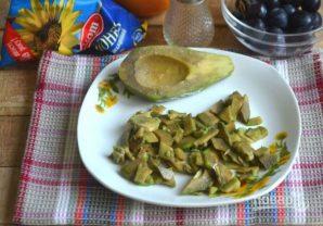 Салат с курицей, авокадо и киви - фото шаг 2