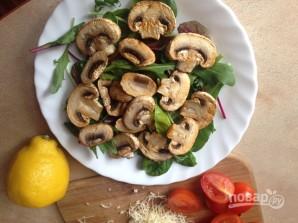 Салат с шампиньонами и помидорами - фото шаг 7