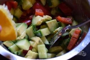 Салат из курицы и авокадо - фото шаг 5