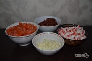 Салат с красной консервированной фасолью - фото шаг 1