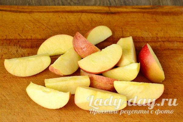 четвертинки яблок