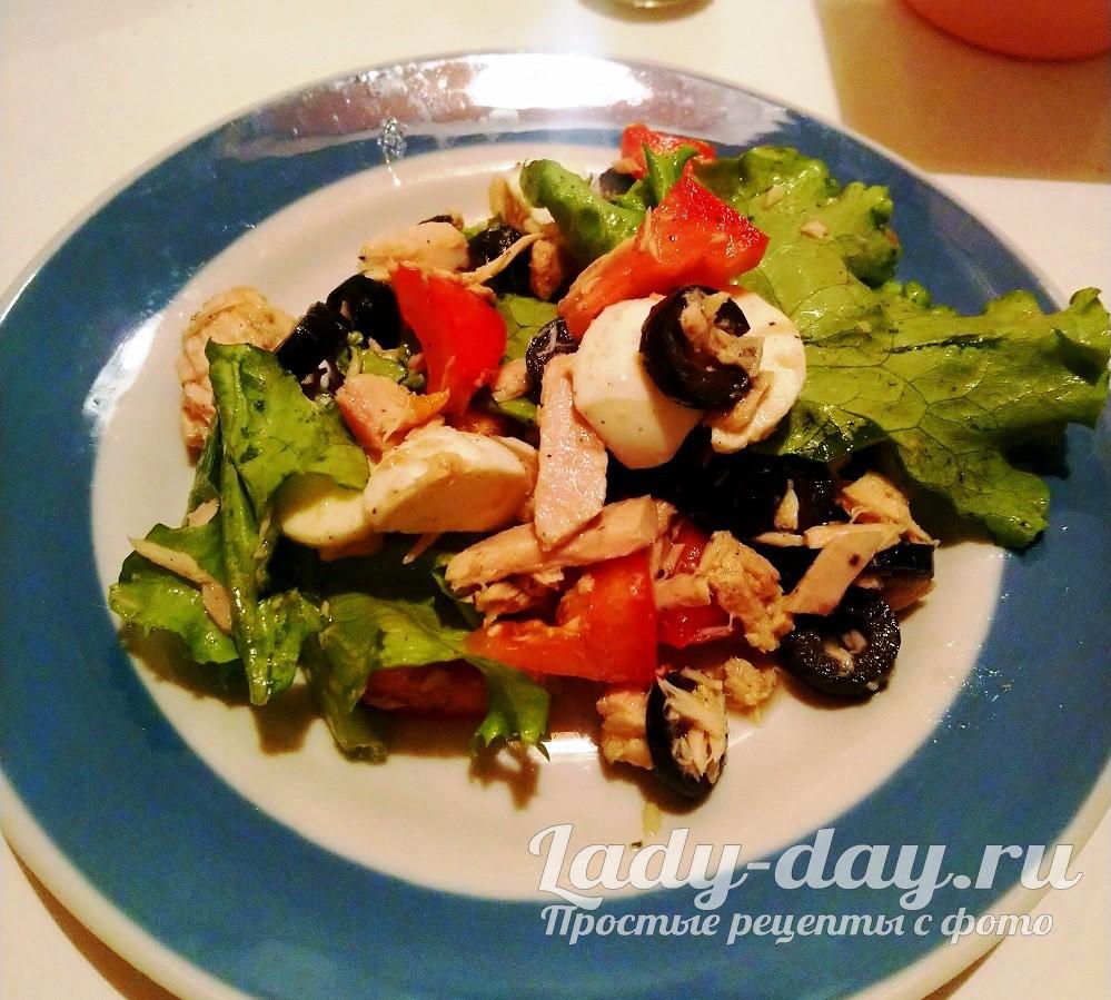 Салат с тунцом консервированным классический рецепт