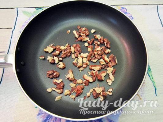 обжарить орехи
