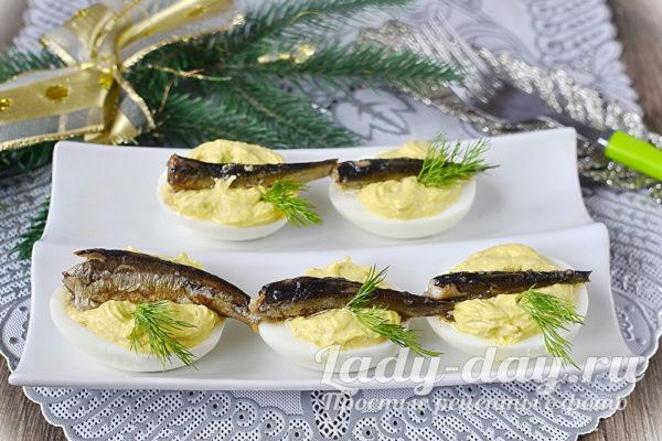 яйца со шпротами