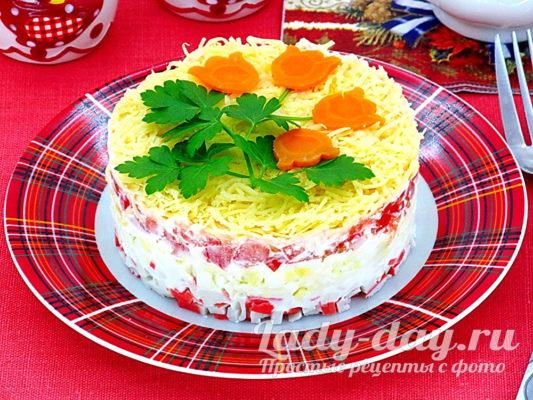 слоеный салат с крабовыми палочкам