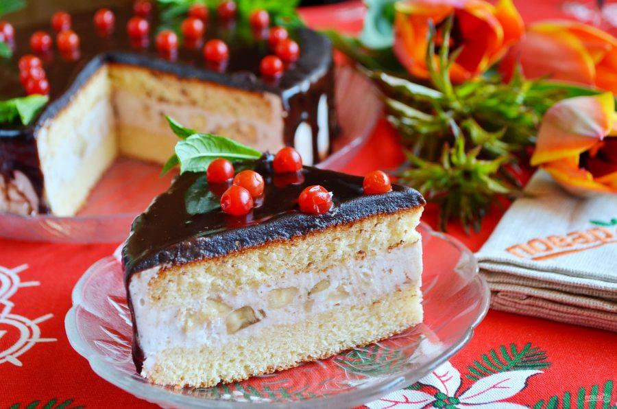 Праздничный торт с творожным кремом