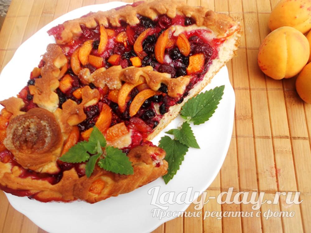 Пирог с абрикосами из дрожжевого теста, в духовке, рецепт с фото