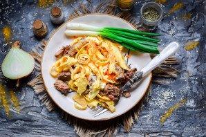 Салат с яичными блинчиками и печенью - фото шаг 10