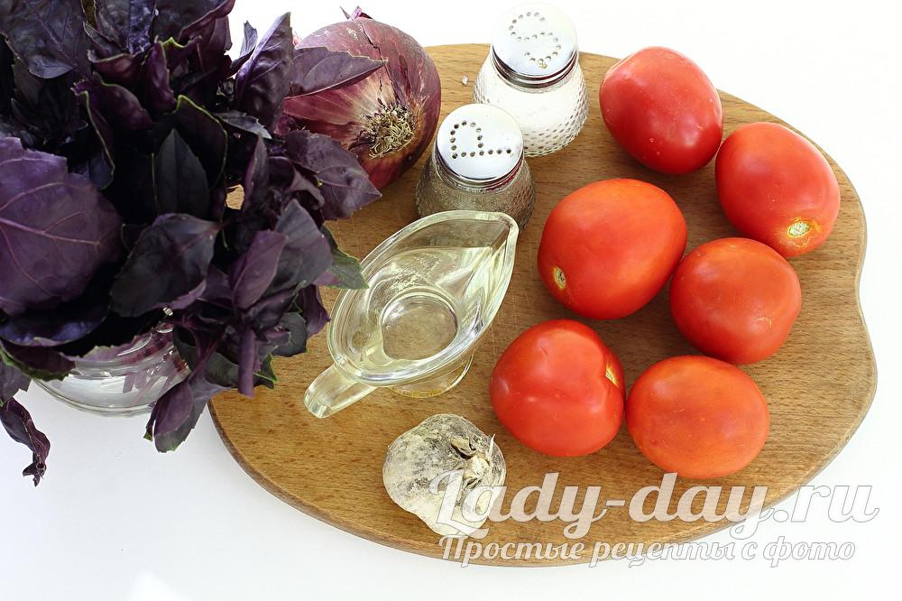 помидоры и базилик