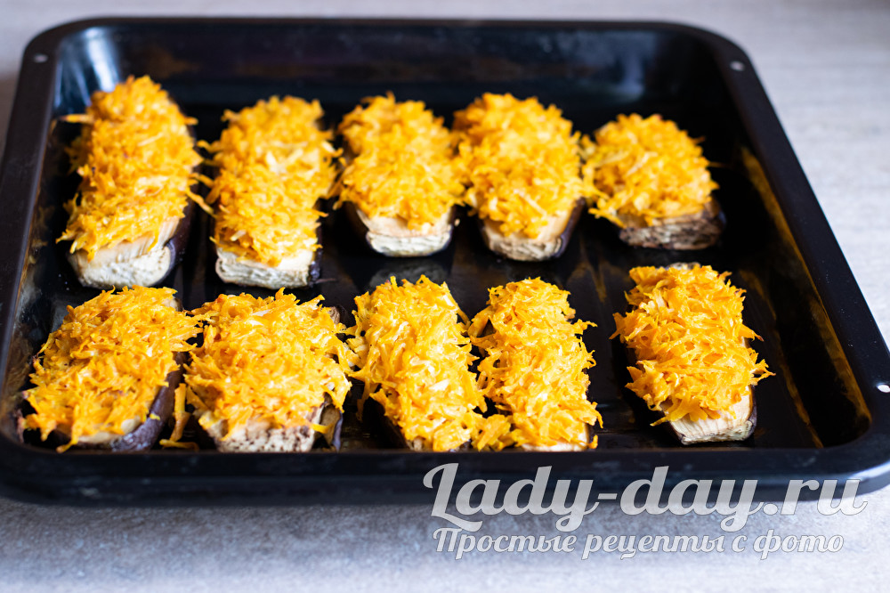 Рецепт приготовления баклажанов в духовке с сыром и морковью