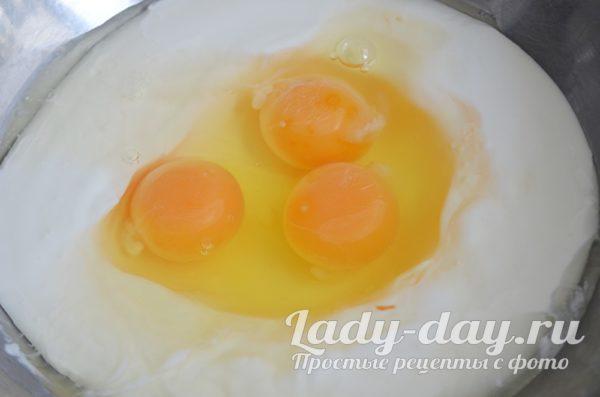 яйца и сметана