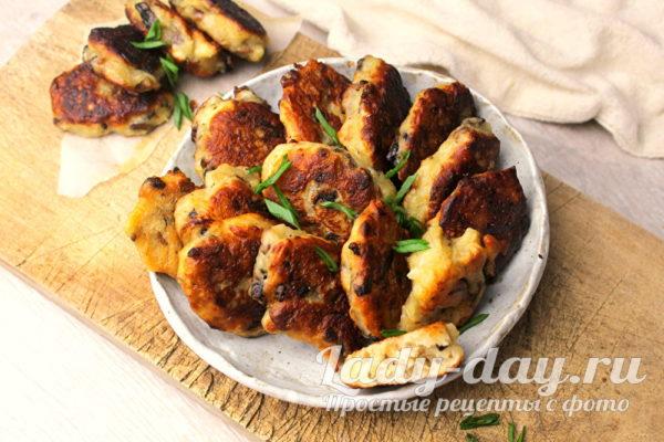 Постные ленивые пирожки с картошкой и грибами