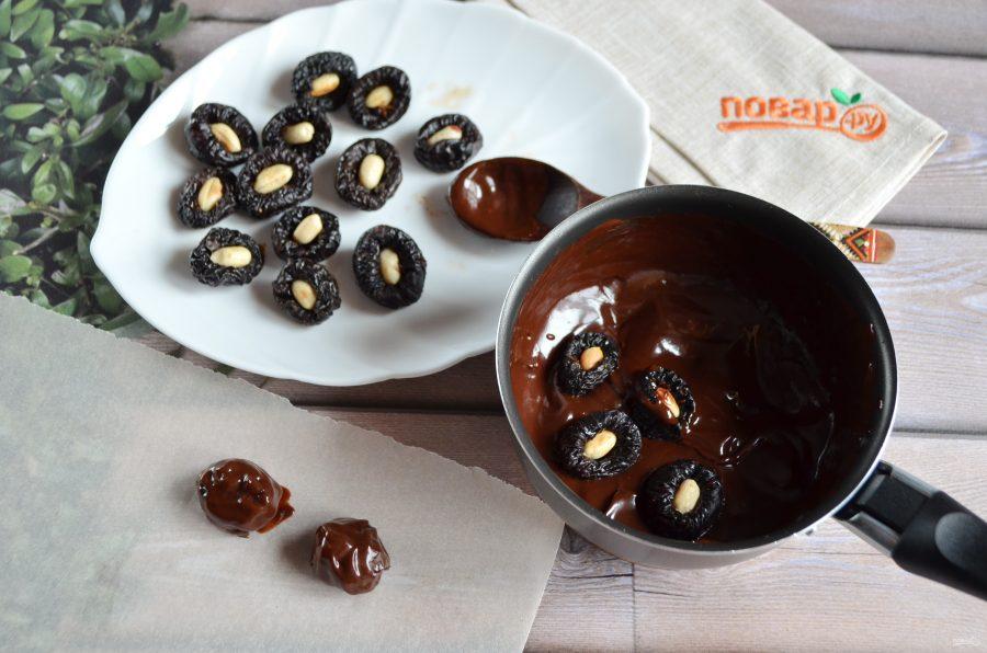 Как приготовить чернослив в шоколаде