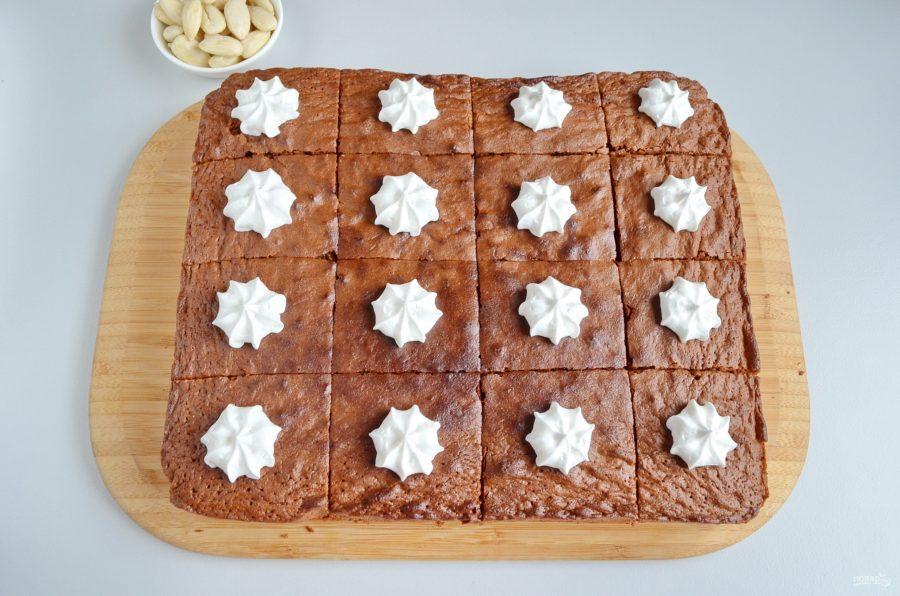 Прекрасные шоколадные пирожные