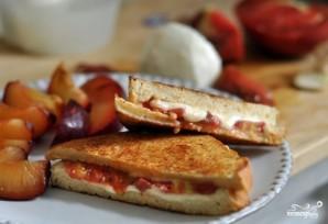 Горячие бутерброды с сыром и помидорами - фото шаг 4