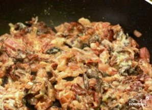 Индейка, фаршированная картофелем и грибами - фото шаг 5