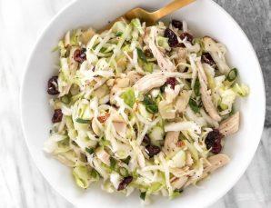 Салат с капустой - фото шаг 6