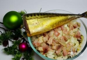 Салат с кукурузой, рисом и копченой скумбрией - фото шаг 7