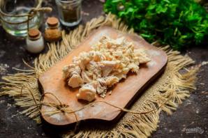 Салат с грибами, курицей и фасолью - фото шаг 2