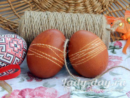 яйца в луковой шелухе с рисунком, фото