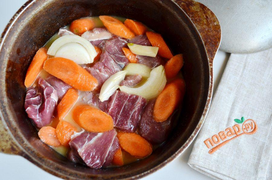 Как приготовить томленную говядину в духовке