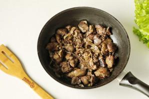 Салат с куриной печенью без майонеза - фото шаг 4