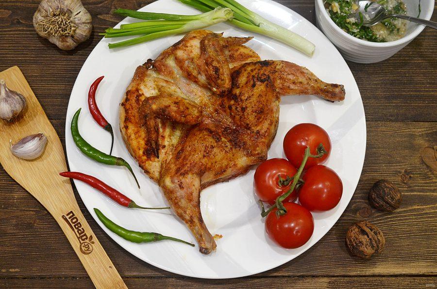 Запеченный в духовке цыпленок