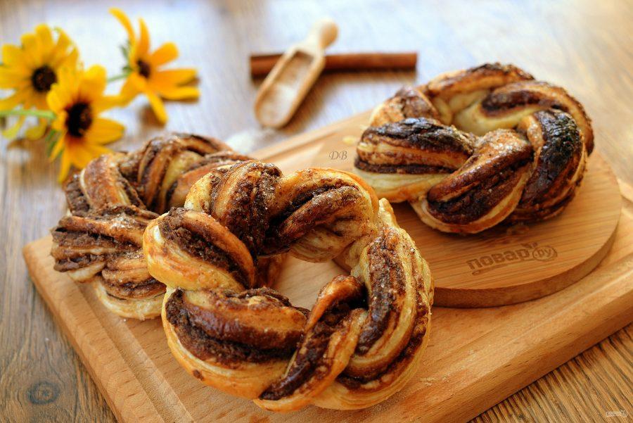 Крученые пончики с шоколадным кремом