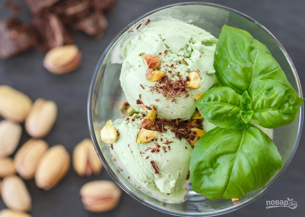 Мороженое с базиликом