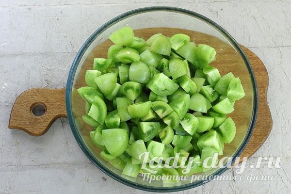 кусочки зеленых помидоров