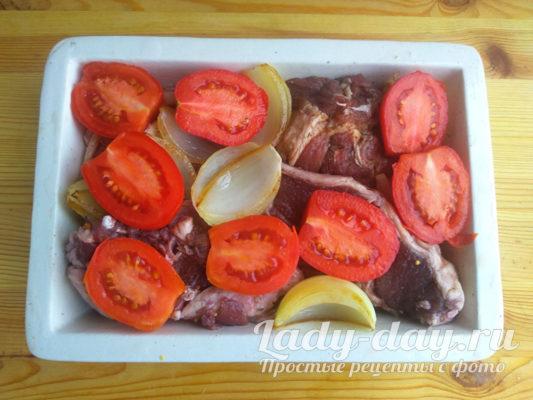 помидоры и мясо