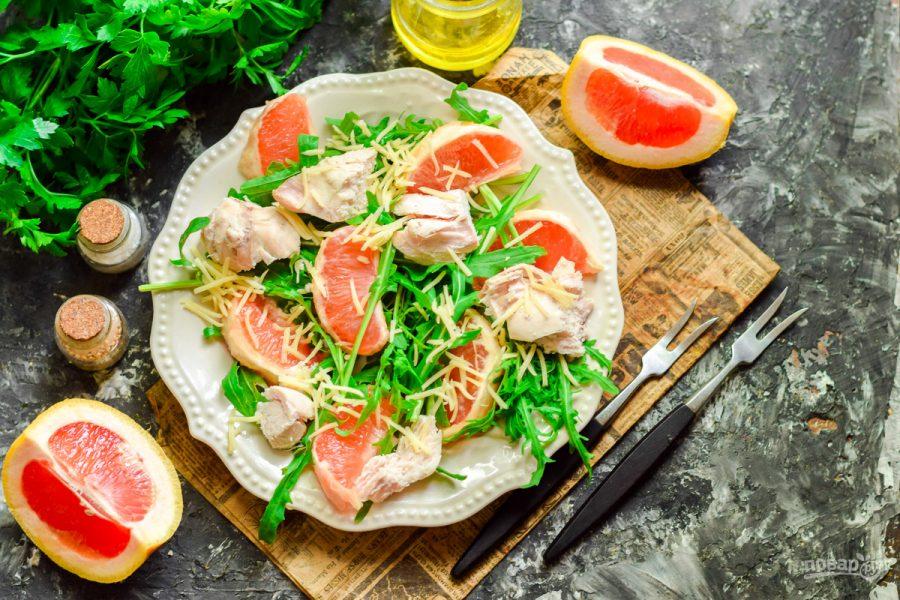 Салат с курицей и грейпфрутом