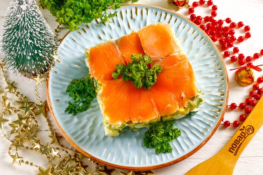 Легкий салат с лососем