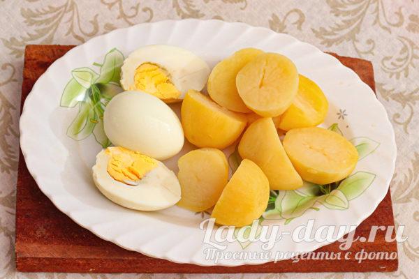 яйца и картошка вареные