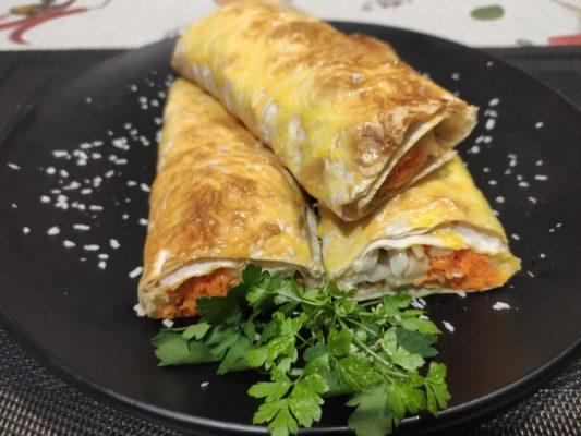 Лаваш с курицей, овощами и сыром всего за 10 минут в духовке