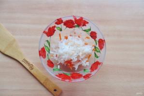 Салат из редьки, яблока и моркови - фото шаг 3