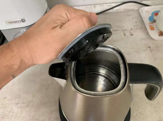 7 домашних средств для очистки чайника от накипи