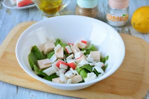 Салат с фетаксой и крабовыми палочками - фото шаг 4