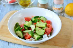 Салат с фетаксой и крабовыми палочками - фото шаг 6