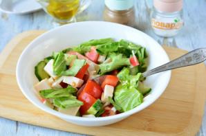 Салат с фетаксой и крабовыми палочками - фото шаг 8