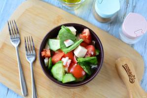 Салат с фетаксой и крабовыми палочками - фото шаг 9