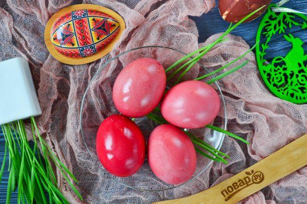 Крашеные яйца свеклой