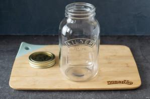 Рецепт компота из клубники на зиму - фото шаг 2