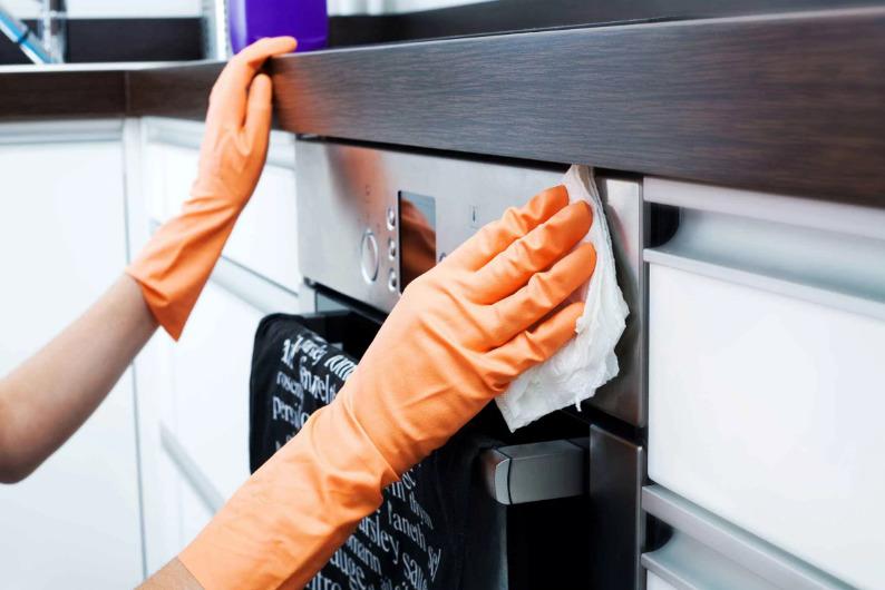 Эффективные способы отмыть кухню от жира