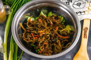 Салат с морской капустой и свежим огурцом - фото шаг 3