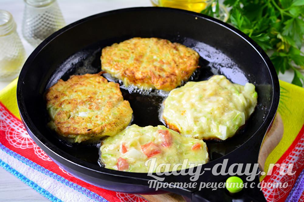 Блюдо на всё лето: оладьи из кабачков — самый простой рецепт