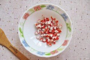 """Салат """"Лаура"""" с крабовыми палочками и яблоком - фото шаг 2"""